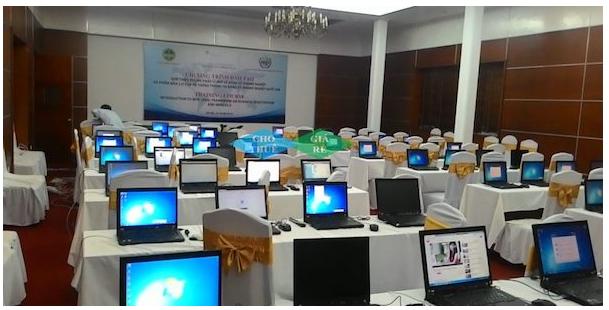 Sự có mặt của những chiếc laptop góp phần tạo nên thành công cho buổi đào tạo của doanh nghiệp
