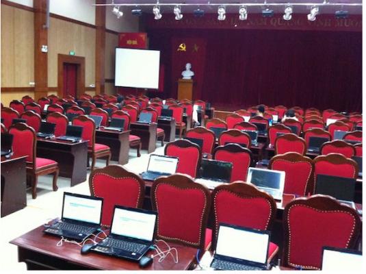 Đọc và nghiên cứu tài liệu trên laptop trong những buổi hội thảo tiện lợi hơn so với đọc trên giấy in